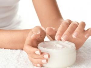 Sự thật về hiệu quả giảm mỡ bụng của kem/gel, tinh dầu massage