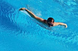 """Bơi lội giảm cân nhanh: """"đánh bay"""" 476 kcal chỉ trong 1 giờ"""