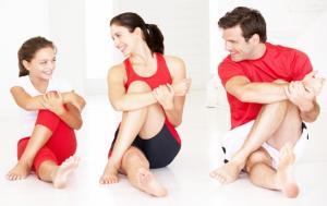 Phụ nữ nên tập thể dục để giảm cân tại nhà hay đến phòng tập?