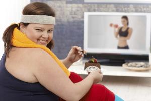 """Đường – """"kẻ phá hoại"""" trong cuộc chiến giảm cân"""