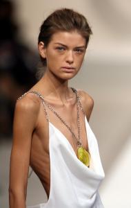 Những cách giảm cân của người mẫu mà bạn không nên làm