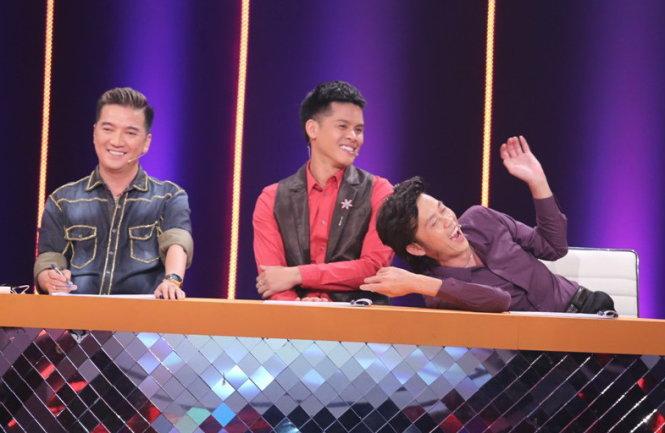 Bộ ba giám khảo Đàm Vĩnh Hưng, John Huy Trần và Hoài Linh