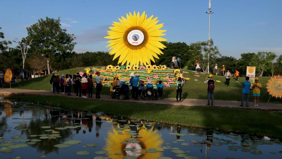 Ngày hội Hoa hướng dương được tổ chức tại Khu đô thị Phú Mỹ Hưng, quận 7 TP.HCM