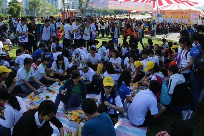 Hàng ngàn bạn trẻ tham dự ngày hội - Ảnh: Ngọc Hiển