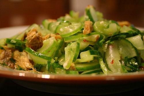 dưa chuột xào đậu phụ nằm trong các món ăn giúp giảm cân nhanh