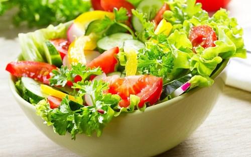 Rau trộn là món ăn rất tốt giúp giảm cân.