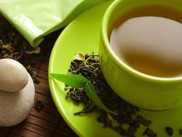 uống trà xanh không phải cách giảm cân nhanh và an toàn nên áp dụng