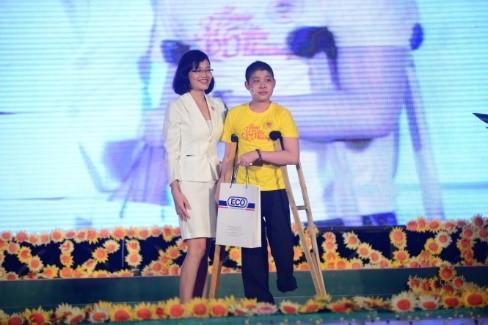 """Hoa khôi áo dài Việt Nam chung tay gây quỹ cho chương trình """"Ước mơ của Thúy"""""""